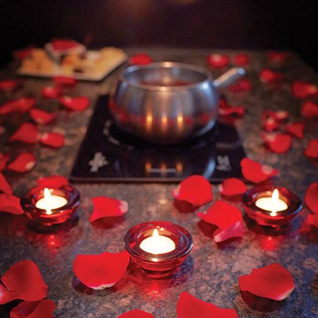 Fondue Pot Petals - The Melting Pot - Dubai, Dubai, Dubai