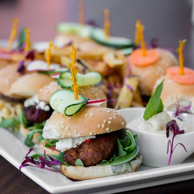 Yonge - Oliver & Bonacini Café Grill, Yonge & Front, Toronto, ON
