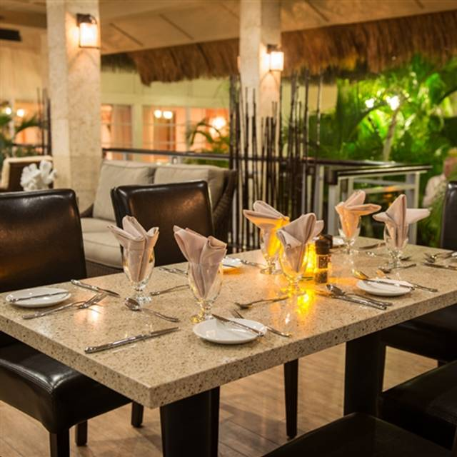 Ike's Bistro - Manchebo Beach Resort & Spa, Eagle Beach, Aruba