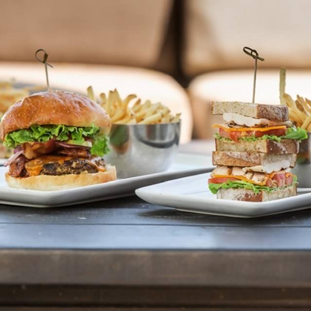 Burger, Sandwich, & Salads - Canyon Creek - Niagara Falls, Niagara Falls, ON