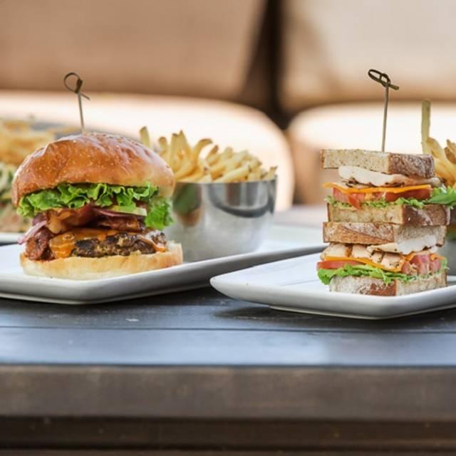 Burger, Sandwich, & Salads - Canyon Creek - Square One, Mississauga, ON