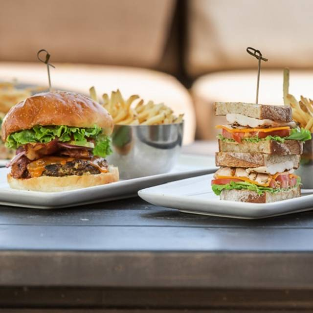 Burger, Sandwich, & Salads - Canyon Creek - Vaughan, Vaughan, ON