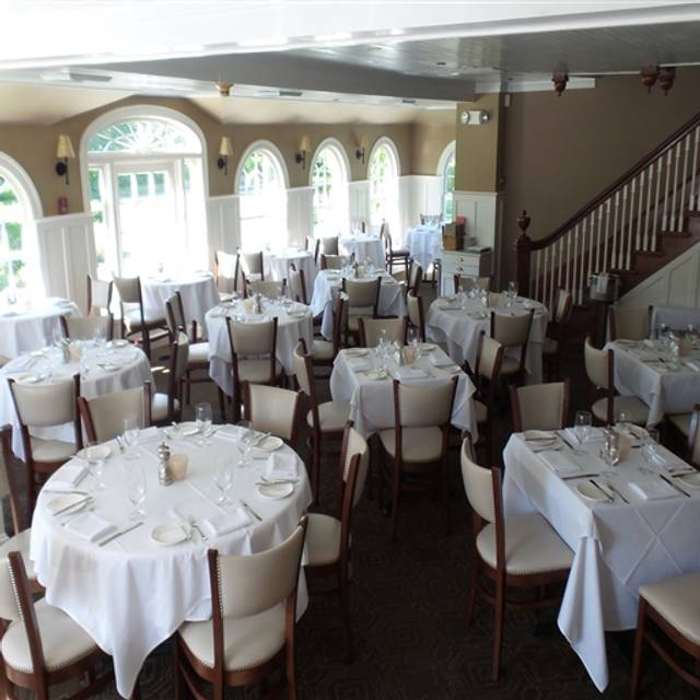 Stone Creek Inn, East Quogue, NY