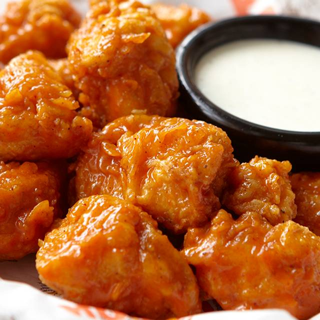 Boneless wings - Hooters Cancún - Malecon Americas, Cancún, ROO