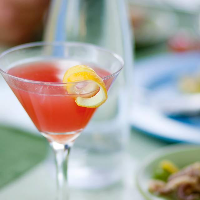 DOWNTOWN Kitchen + Cocktails Restaurant