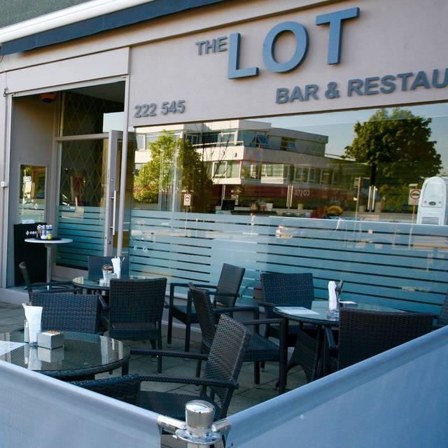 Red Rocket Icon Lot Bar & Restaura...