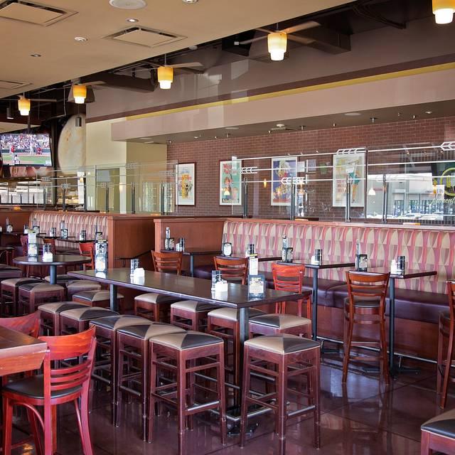 Gordon Biersch Brewery Restaurant Scottsdale Phoenix Az