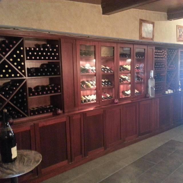 .SinglePlatformR69010I1369 - Portofino Restaurant, Bronx, NY