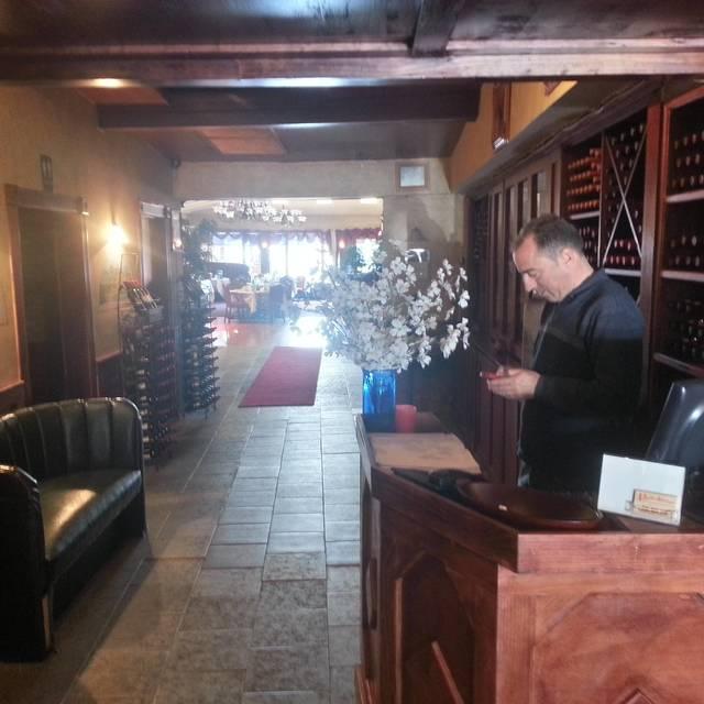 .SinglePlatformR69010I1367 - Portofino Restaurant, Bronx, NY