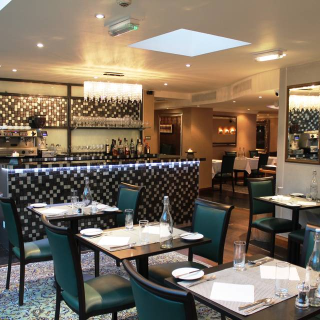 Polo terrace restaurant london opentable for Terrace cafe opentable