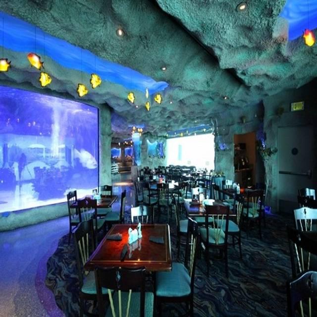 Downtown aquarium restaurant houston tx opentable for Texas non game fish