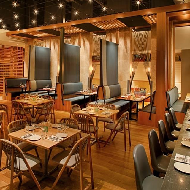 Drift fish house oyster bar restaurant marietta ga for Drift fish house