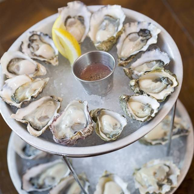 B&T Oyster Bar, Portland, OR