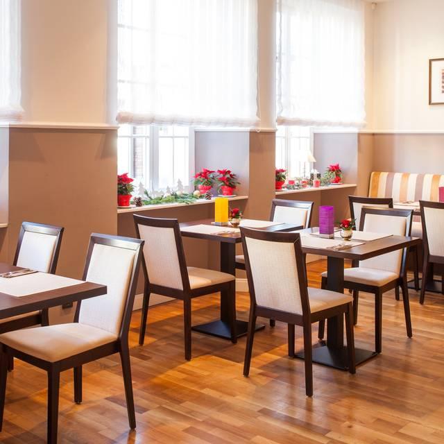 halber mond restaurant heppenheim heppenheim rheinland pfalz reztoran t rkiye. Black Bedroom Furniture Sets. Home Design Ideas