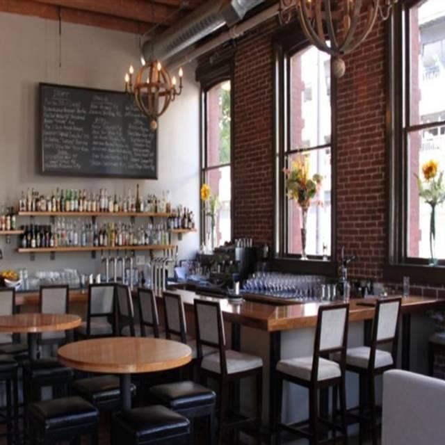 Davis Street Tavern, Portland, OR