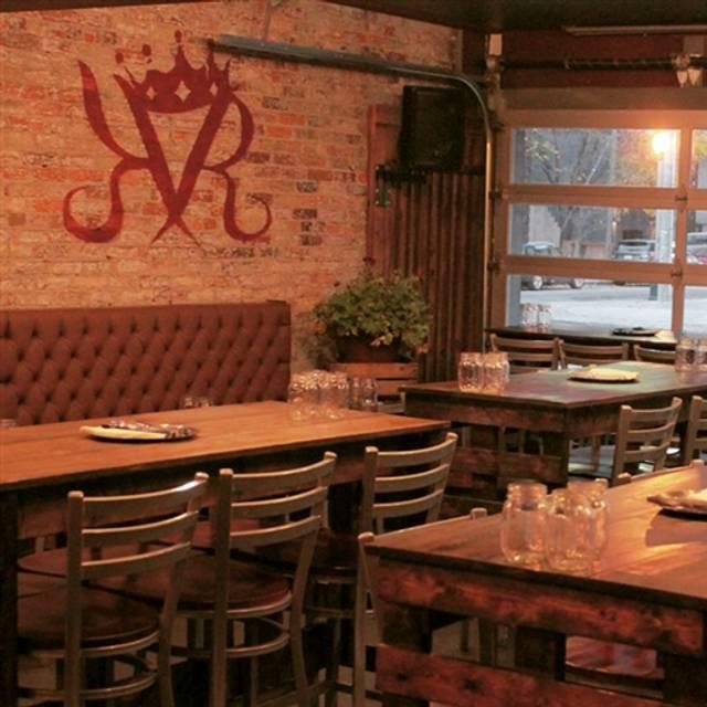 Open Kitchen Restaurant Rustic: King Rustic Restaurant & Bar - Toronto, ON