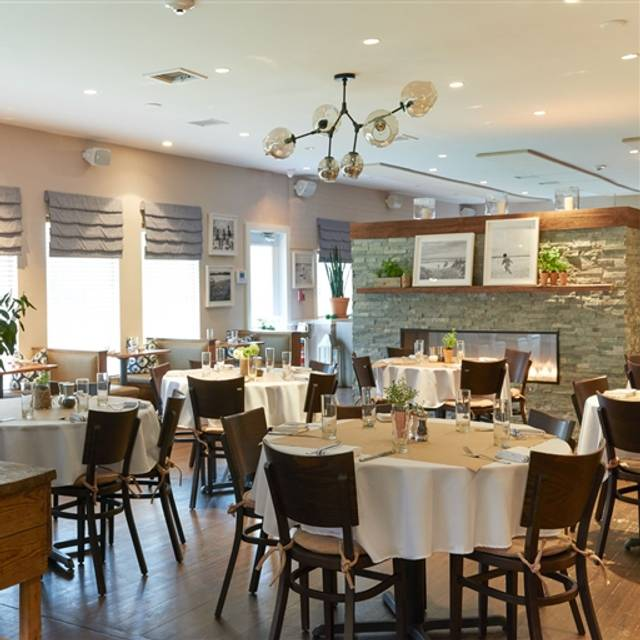Highway Restaurant And Bar East Hampton Ny Opentable