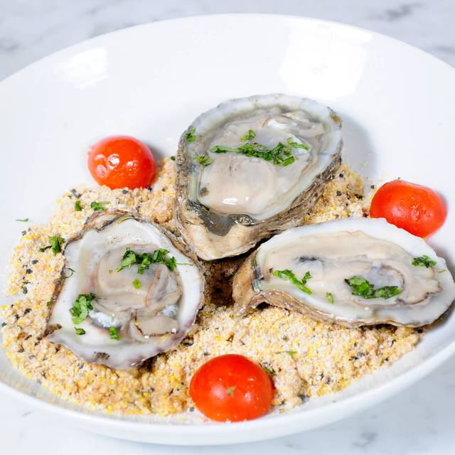 District Oysters - The District, Houston, TX