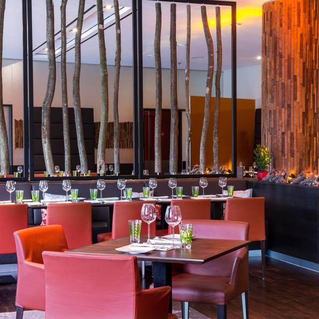HEat Restaurant Restau...
