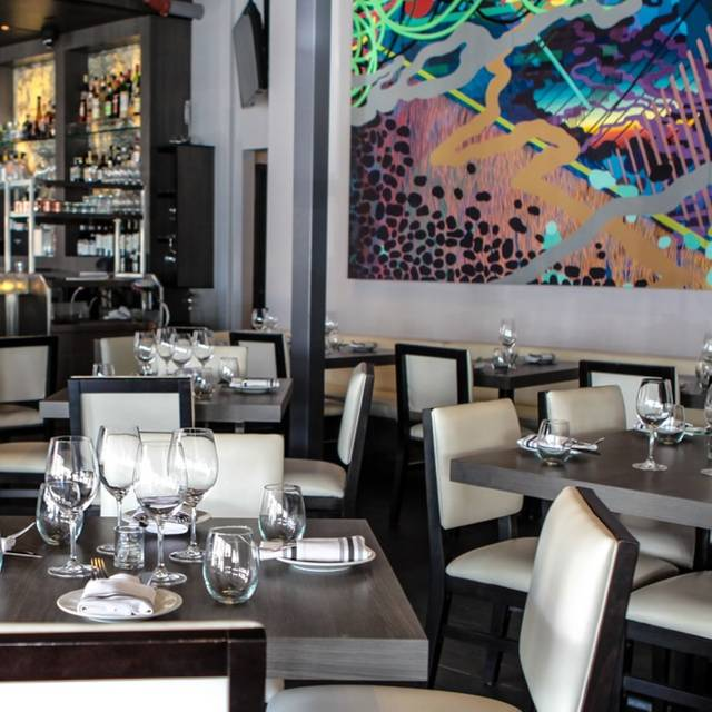 Bistro 82 Restaurant