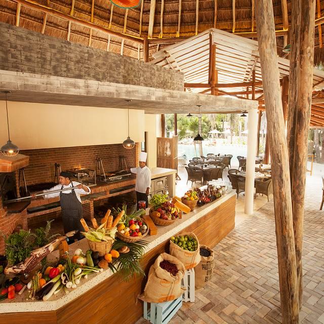 Fuego Kitchen - Fuego Restaurante y Cantina @ Mahekal, Playa del Carmen, ROO