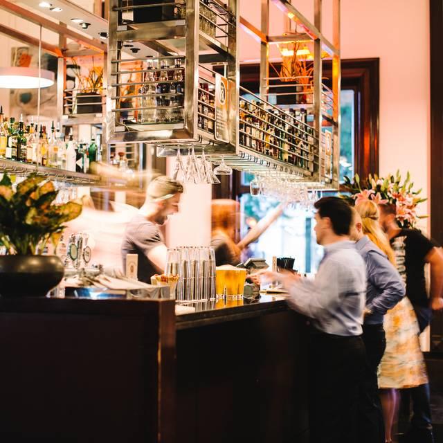 quay bar restaurant sydney au nsw opentable. Black Bedroom Furniture Sets. Home Design Ideas