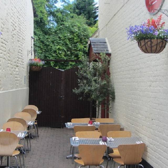 Prima Fila Restaurant Walton On Thames Surrey Opentable