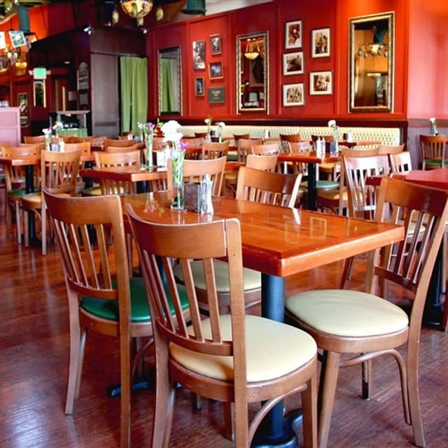 Rosie McCann's Irish Pub & Restaurant, Santa Cruz, CA
