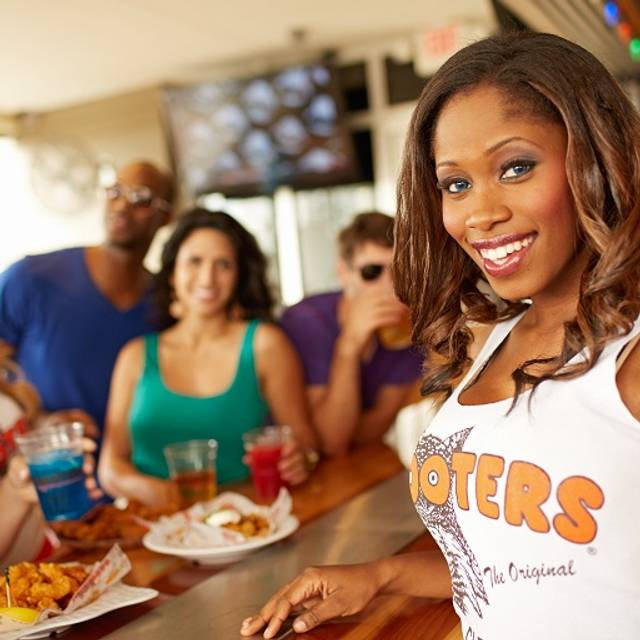 Sep 18,  · Reserve a table at Hooters, Phoenix on TripAdvisor: See unbiased reviews of Hooters, rated of 5 on TripAdvisor and ranked # of 3, restaurants in Phoenix/5().