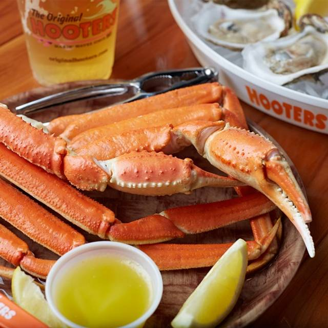 Seafood Crablegs - Hooters on 33rd, New York, NY