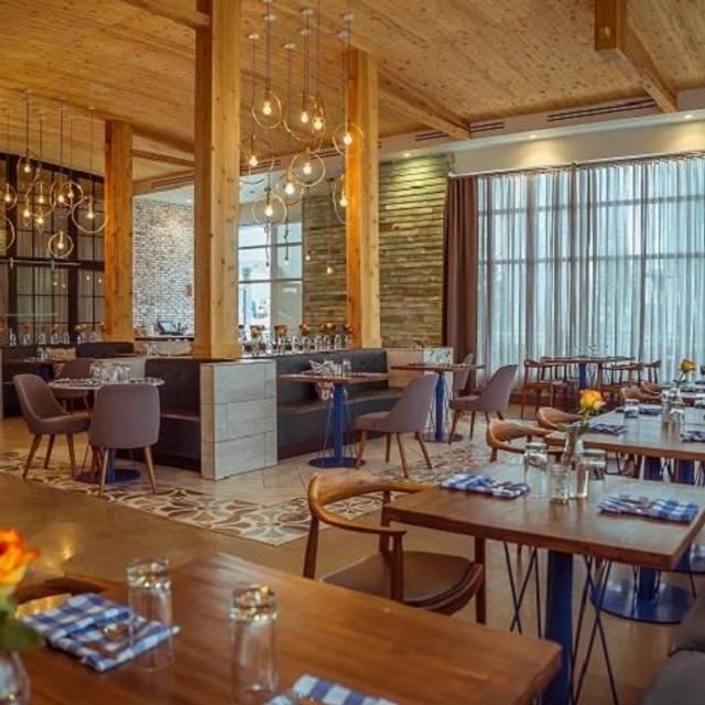 Restaurant With Open Kitchen: Starbelly OPEN KITCHEN + LOUNGE - Calgary Restaurant - Calgary, AB