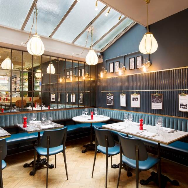 Blandford Comptoir, London