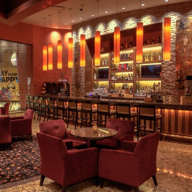 Bar Scene - Farraddays Steakhouse – Isle Casino Racing Pompano Park, Pompano Beach, FL