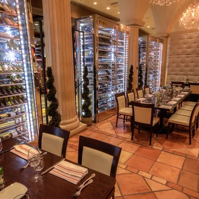 Dining Room Scene - Bragozzo Osteria & Wine Bar – Isle Casino Racing Pompano Park, Pompano Beach, FL