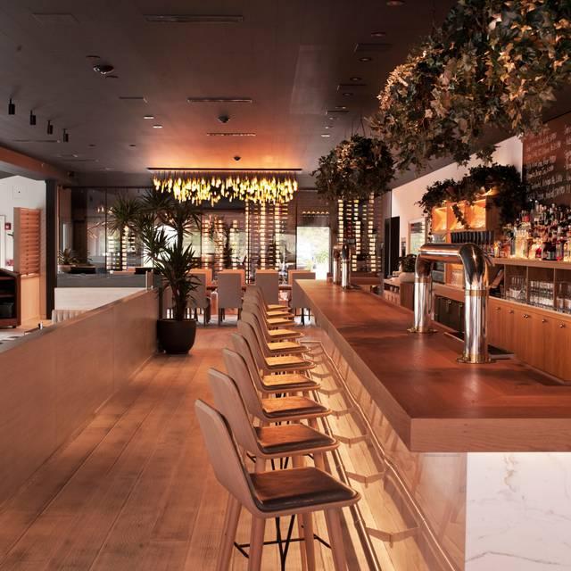Indoor Bar - Arbor Restaurant, Montauk, NY