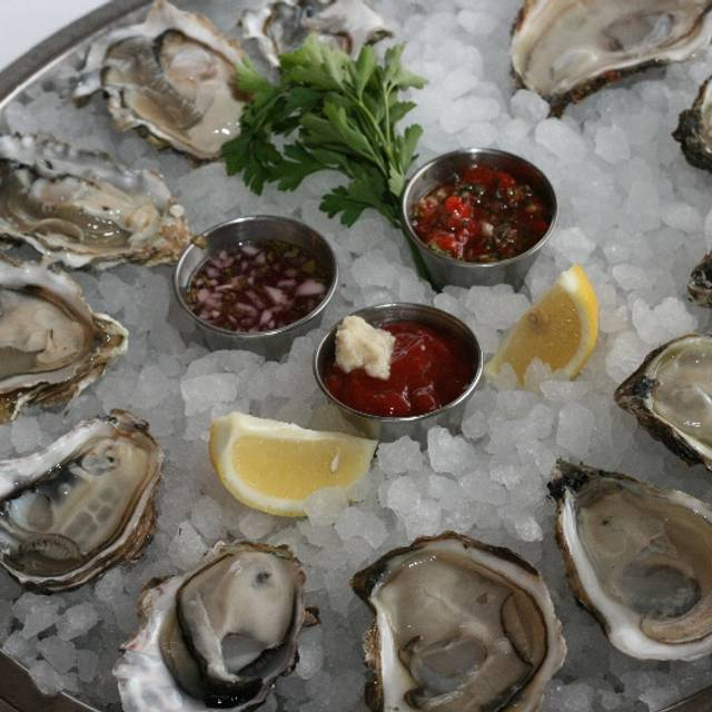 Oysters - Catch 35 - Chicago, Chicago, IL