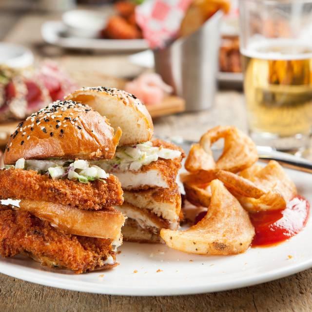 Union Bar & Grill, Minneapolis, MN