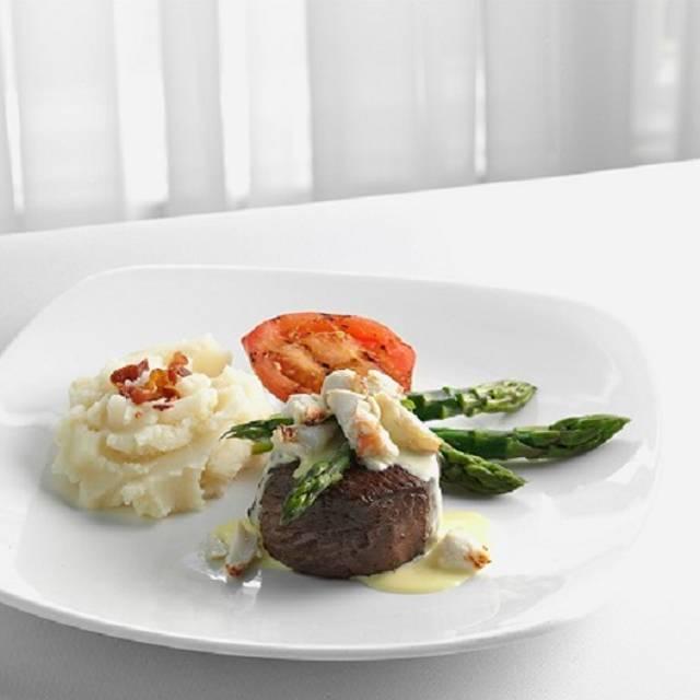 Filet Oscar - McCormick & Schmick's Seafood - Milwaukee, Wauwatosa, WI