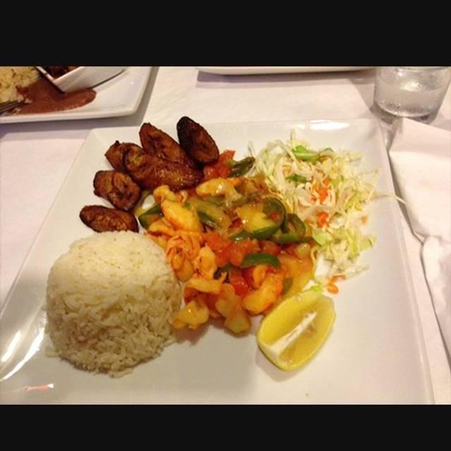 Honduras kitchen long beach long beach ca opentable for R kitchen long beach