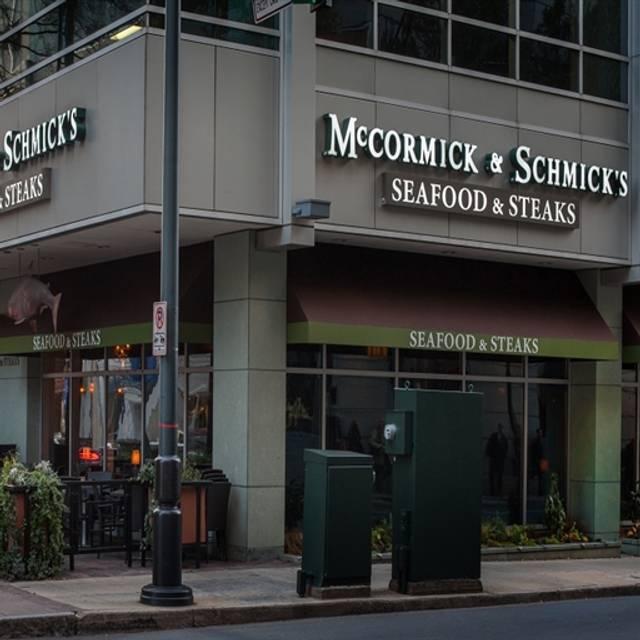 McCormick & Schmick's Seafood - Charlotte (Tryon Street), Charlotte, NC