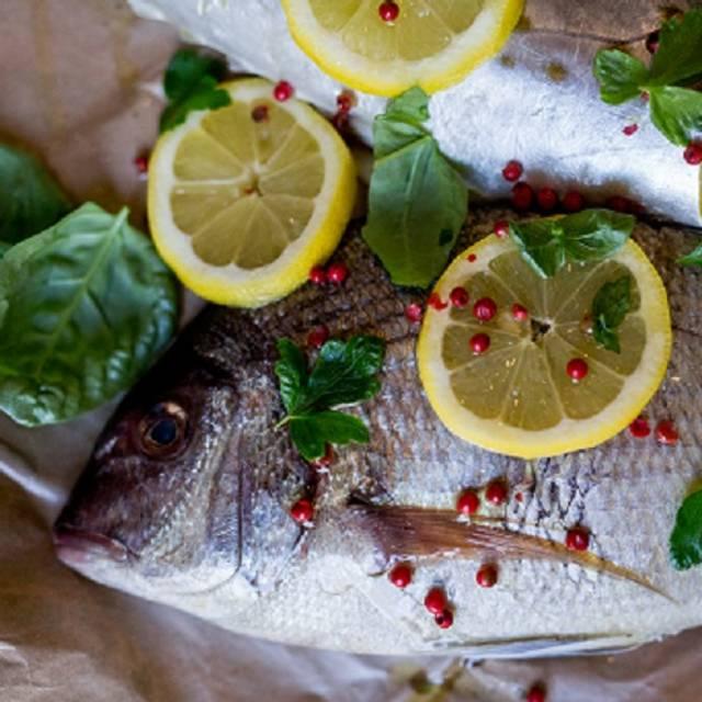Fish at 30 lake restaurante saratoga springs ny opentable for Fish at 30 lake