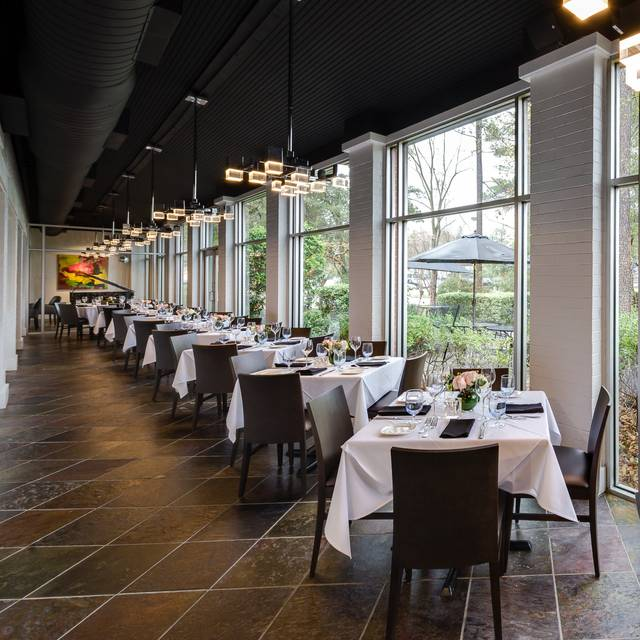 Atrium | Amerigo's Grille - Amerigo's Grille – The Woodlands, The Woodlands, TX