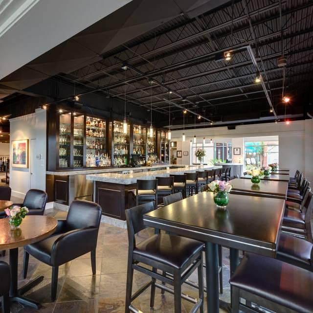Piano Bar | Amerigo's Grille - Amerigo's Grille – The Woodlands, The Woodlands, TX