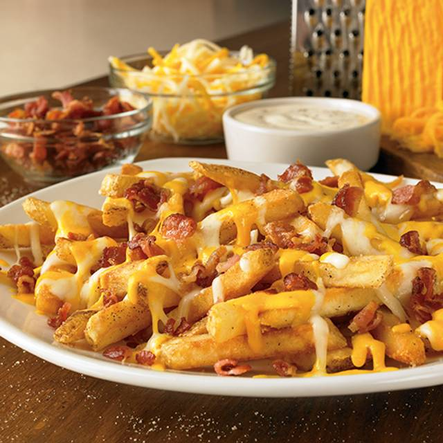 Aussie Cheese Fries - Outback Steakhouse - Cancún, Cancún, ROO