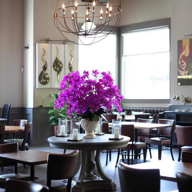 Thai - 26 Thai Kitchen & Bar, Atlanta, GA