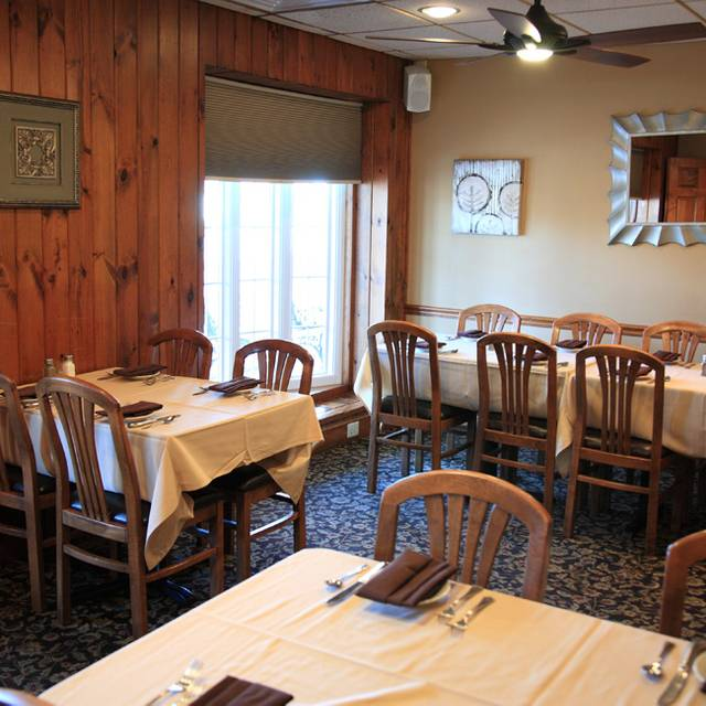 Dining Area 6 - Franklinville Inn, Franklinville, NJ
