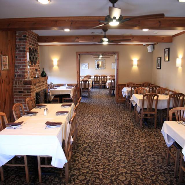 Dining Area 4 - Franklinville Inn, Franklinville, NJ