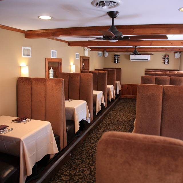 Dining Area 3 - Franklinville Inn, Franklinville, NJ