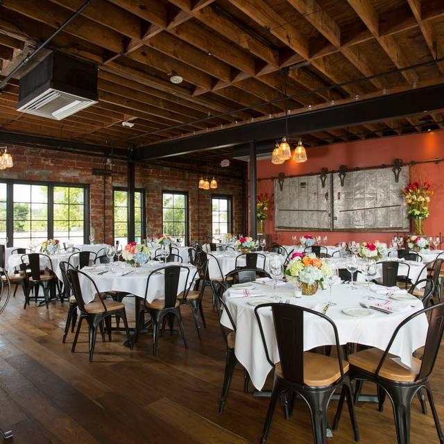 Upstairs Dining - B&B Butchers & Restaurant, Houston, TX