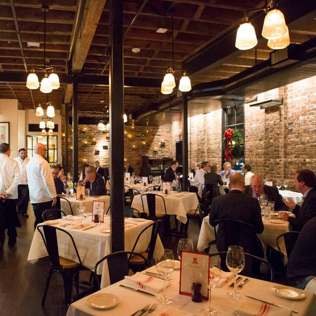 Downstairs Dining - B&B Butchers & Restaurant, Houston, TX